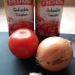 Basiszutaten für das Tomatensugo