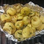 Kartoffelkringel mit Rosmarin aus dem Garten