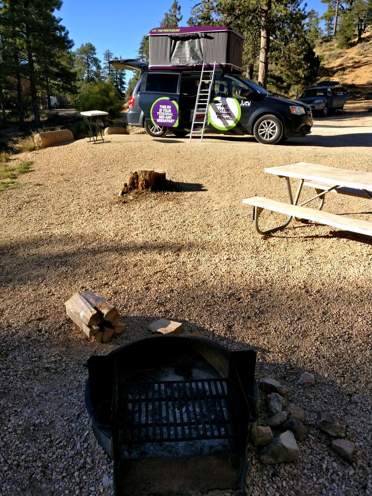 Feuerstelle auf unserem Bryce Canyon Campground Stellplatz