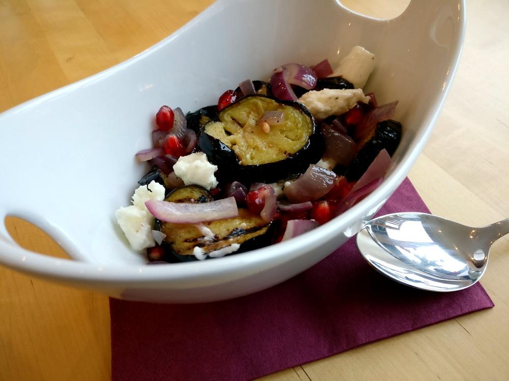 Auberginen-Salat mit Büffel-Mozzarella