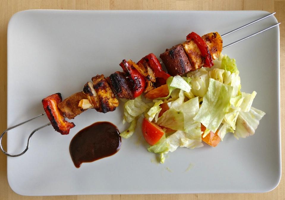 Guten Appetit - die vegetarischen Seitan-Grillspieße sehen klasse aus