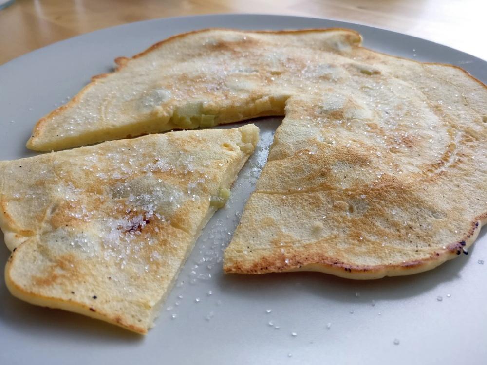 Rhabarber-Pfannkuchen von der Plancha