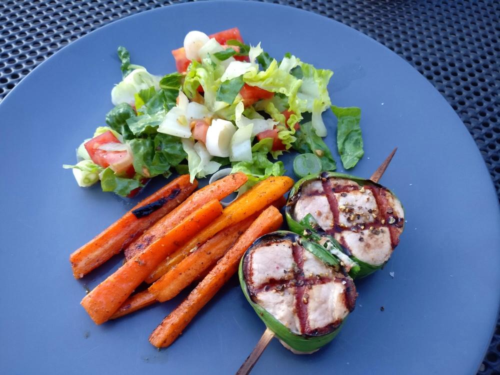 Schweinefilet-Lauch-Grillspieße mit Karotten
