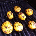 Fächerkartoffeln Patatas Bravas direkt grillen