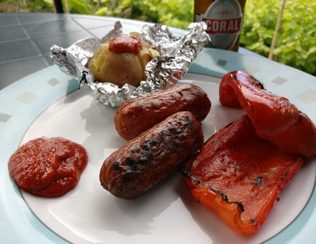 Chorizo und Paprika vom Holzkohlegrill auf Madeira
