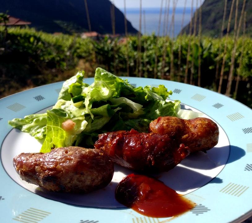 Leckere portugiesische Wurst zum Abschied von Madeira