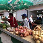 Frische Ware auf dem Markt in Santo da Serra