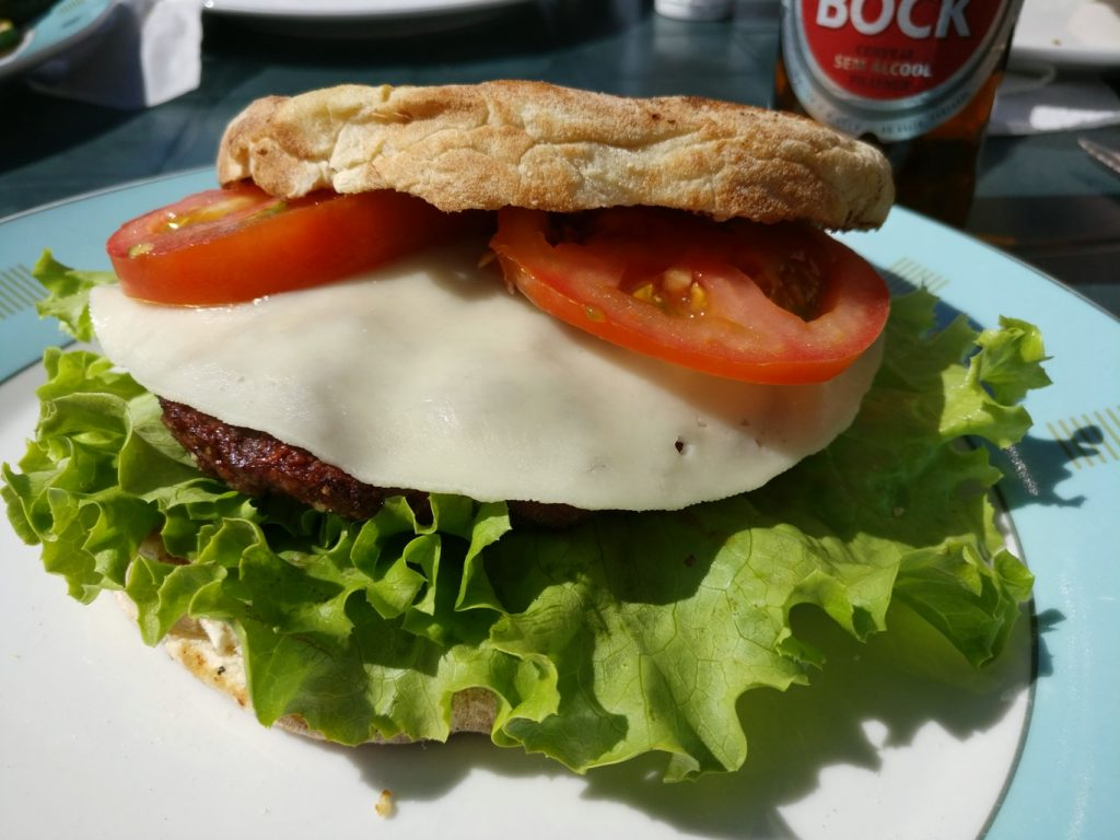 Madeira BBQ4: Hamburger mit Bolo do Caco
