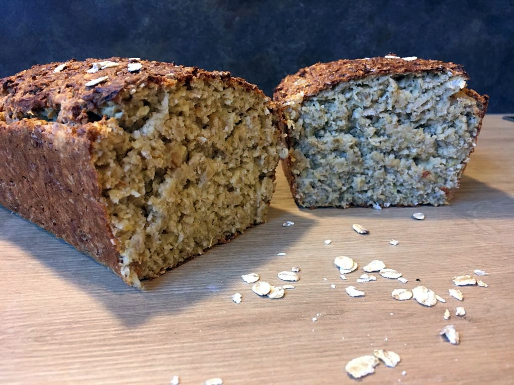 Das fertige Haferflocke-Brot im Anschnitt