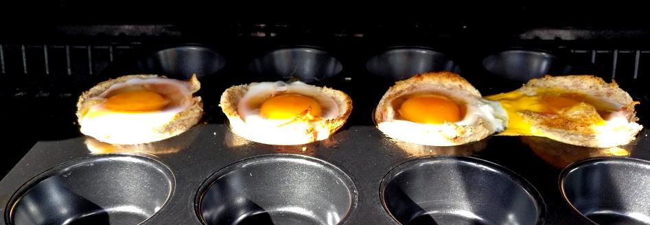 Bacon-Egg-Muffins mit Vollkorntoast