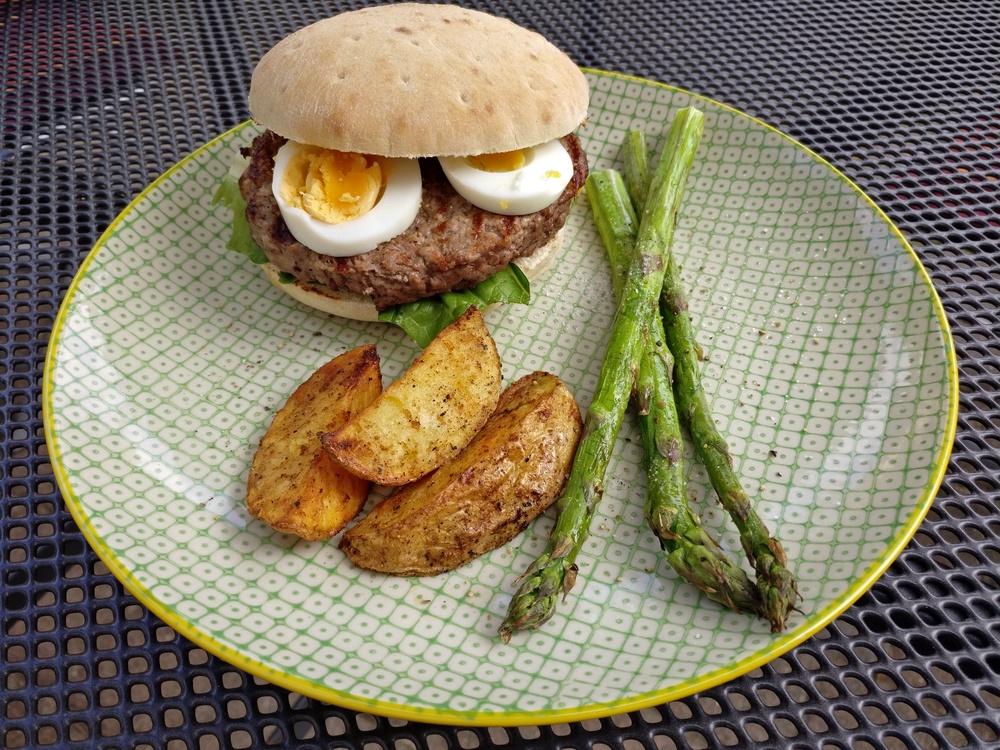 Sehr lecker, dieser Caesar-Burger