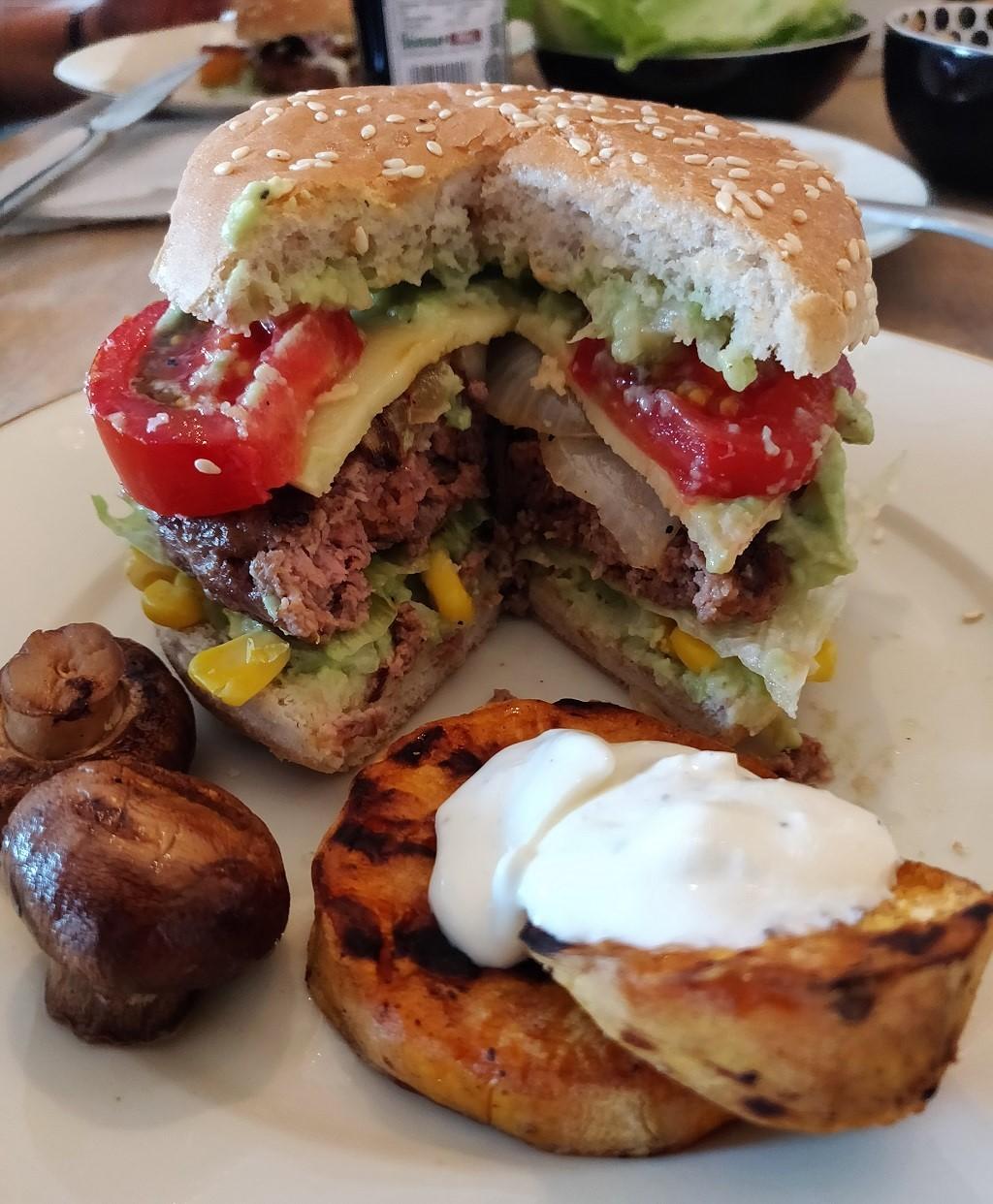 Mexican Burger mit Guacamole
