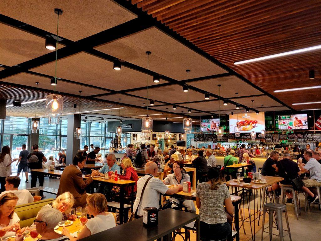 Die Gastro-Ebene in der Markthalle