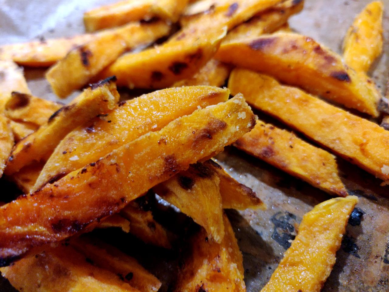 Krosse Süßkartoffelpommes -einfach lecker