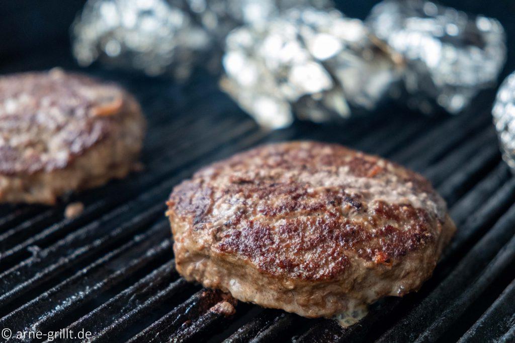 Sehen die Wildschwein-Burgerpatties nicht schon super aus?